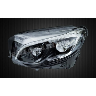 Regeneracja reflektorów - Mercedes 253 GLC