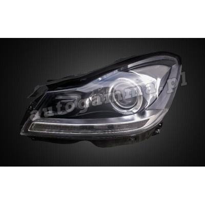 Regeneracja reflektorów - Mercedes C W204 lift (11-14)
