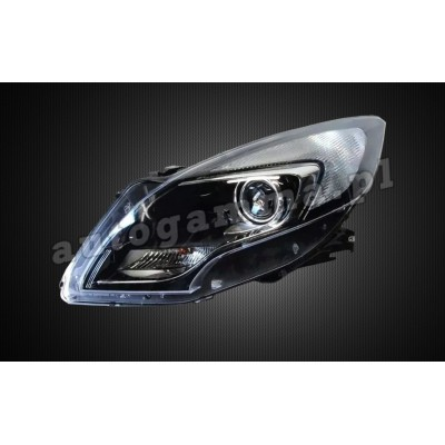 Regeneracja reflektorów - Opel Zafira C